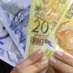 midia-inoor-wap-dinheiro-real-notas-cedulas-economia-inflacao-poupanca-precos-gastos-despezas-1263903901648_615x300